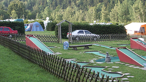 Minigolf auf dem Campingplatz Neumannshof